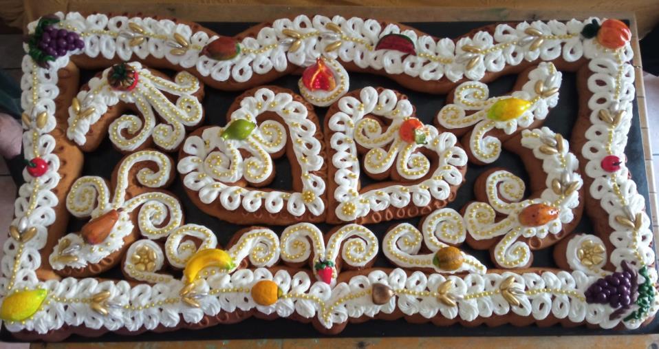 images Alla scoperta del mostacciolo di Spezzano Albanese, tipica torta nuziale dei matrimoni arbëreshë