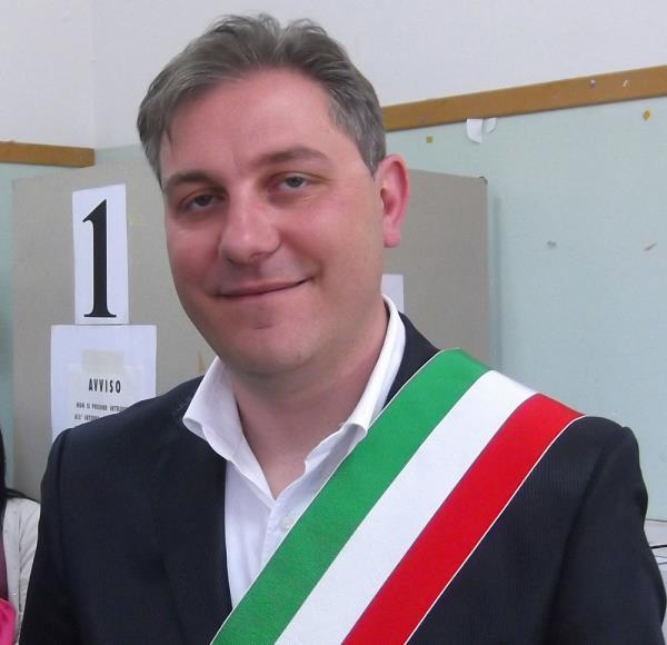 images Regionali. Il sindaco di Morano Calabro aderisce a 'Cambiamo'
