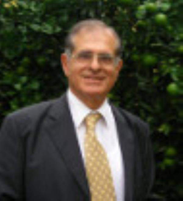 images Monsignor Cantisani e l'amore per lo sport. Il ricordo del Presidente provinciale Unicef di Catanzaro, Nino Mustari