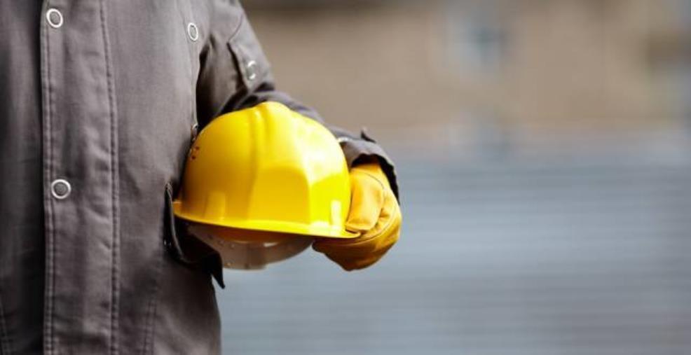 images Tragedia a Placanica. Una trave colpisce e uccide un'operaio di 42 anni in un cantiere