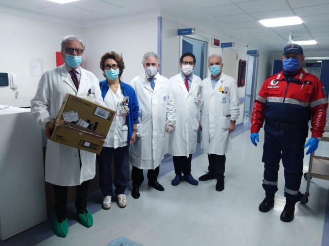 """images Coronavirus. L'associazione nazionale Carabinieri, sezione """"Arruzzo"""" di Catanzaro, ha donato mascherine al Pugliese-Ciaccio"""