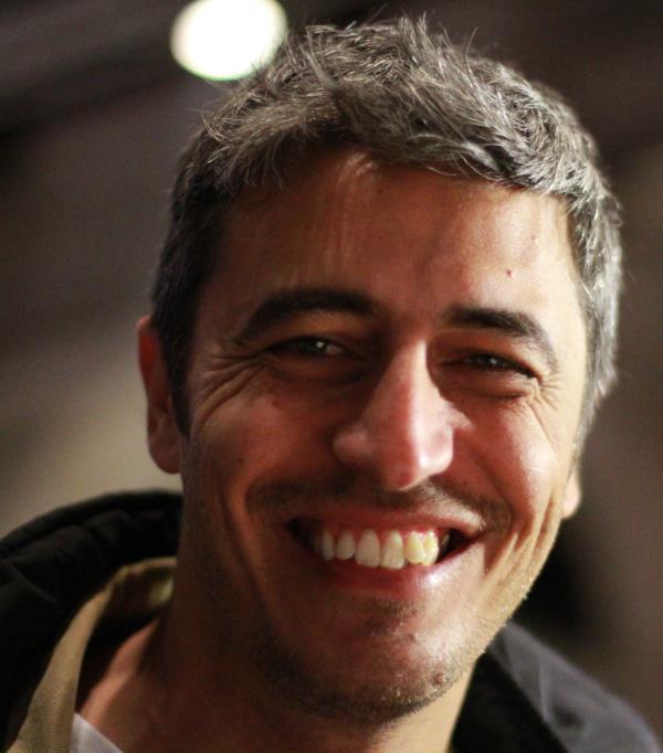 """images Pif: """"Potrei produrre 'La 'ndrangheta uccide solo d'estate'. Il regista ospite della tappa calabrese del tour #NonCiFermaNessuno"""