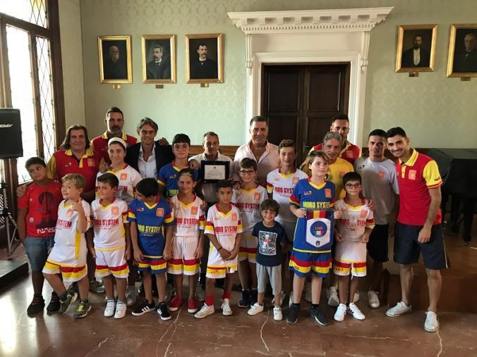 images Ecosistem beach soccer, riconoscimento del Comune di Catanzaro per i risultati dell'ultimo campionato italiano