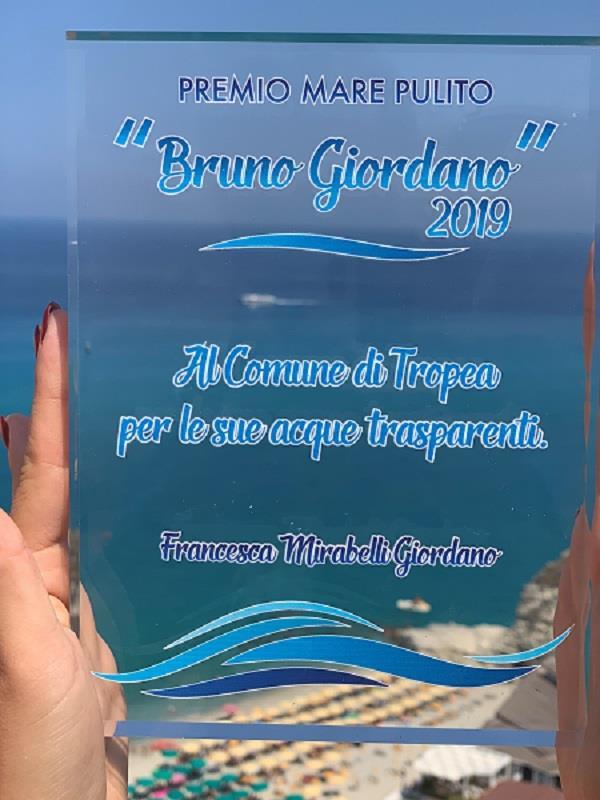 """images Premio Mare Pulito a Tropea, il sindaco """"assapora"""" il risultato"""