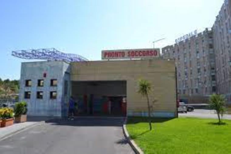 images Muore dopo essere stato dimesso dal pronto soccorso e la Procura di Crotone apre un'inchiesta: indagati 4 medici