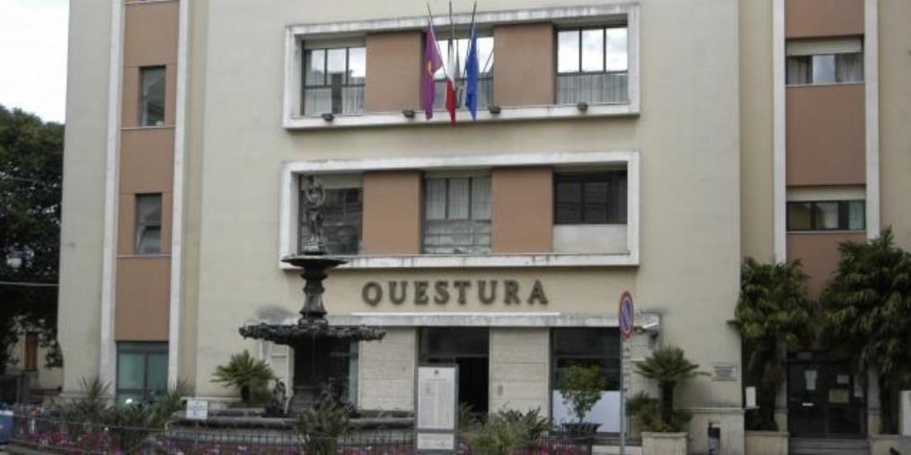 images Giro di prostituzione nel Catanzarese, 7 in manette. Coinvolto anche un poliziotto (I NOMI)