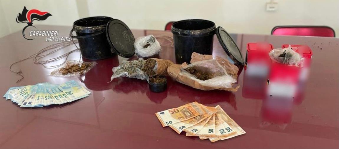 images Droga e armi in una villetta nel Vibonese: arrestato un 30enne