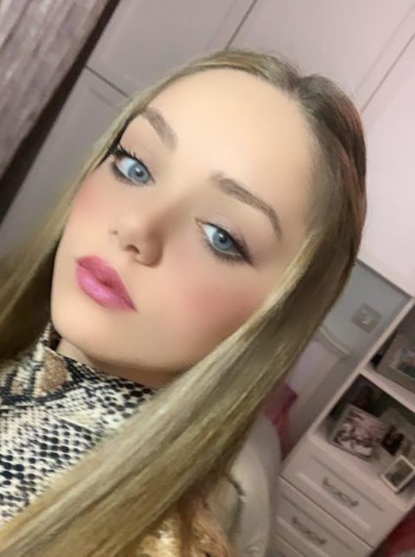 images Rosanna Serravalle, la modella di Mesoraca che aspetta di sfilare sulle passerelle più famose