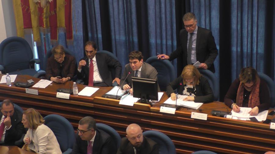 images Consiglio comunale di Catanzaro, mozioni e debiti fuori bilancio: approvate tutte le pratiche