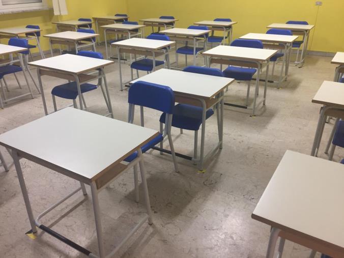 """images Scontro sulla scuola. I sindacati contro Spirlì sulla chiusura per i vaccini: """"Crea caos e disorientamento"""""""