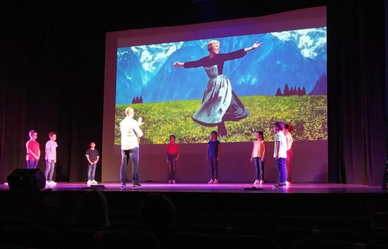 """images """"Confusioni"""" di Alan Ayckbourn, domenica e lunedì 12 al Teatro Comunale di scena gli allievi e le allieve del TeatroLAB"""