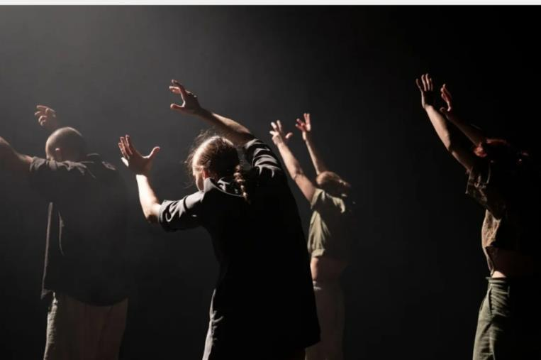 """images """"Ramificazioni"""": il festival della danza d'autore. Domani il secondo appuntamento al Teatro Comunale di Soverato"""
