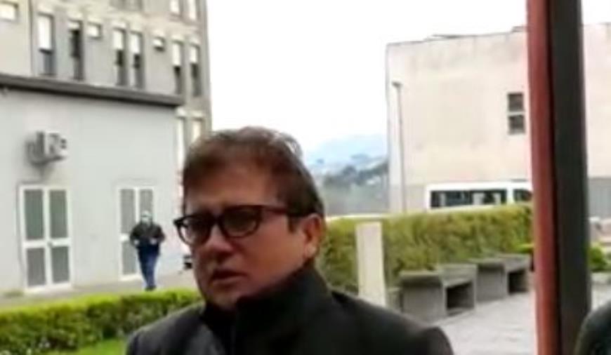 """images Coronavirus. Il viceministro Sileri all'ospedale di Catanzaro: """"Per la Calabria priorità a tamponi e dispositivi di protezione"""" (VIDEO)"""