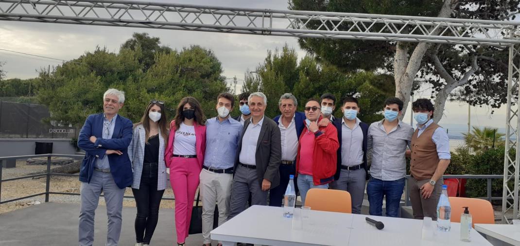 """images Futuro e Giovani a Soverato, Quagliariello: """"Costretti a partire solo per scelta"""""""