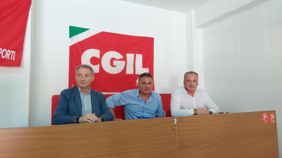 images Filt Cgil e Cgil Area Vasta CZ-KR-VV si mobilitano per il rilancio dell'aeroporto di Lamezia: ecco su quali criticità intervenire