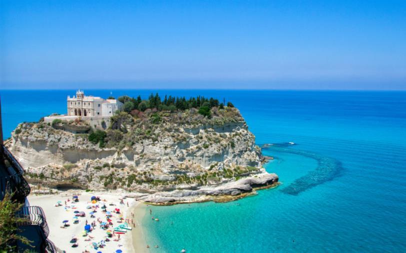 """images Tropea """"Borgo dei borghi 2021. Marino (Vitambiente): """"Un punto di svolta per la rinascita della Calabria"""""""