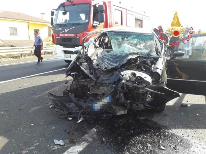 images Incidente stradale a Cropani: quattro feriti. Una donna trasportata con l'elisoccorso