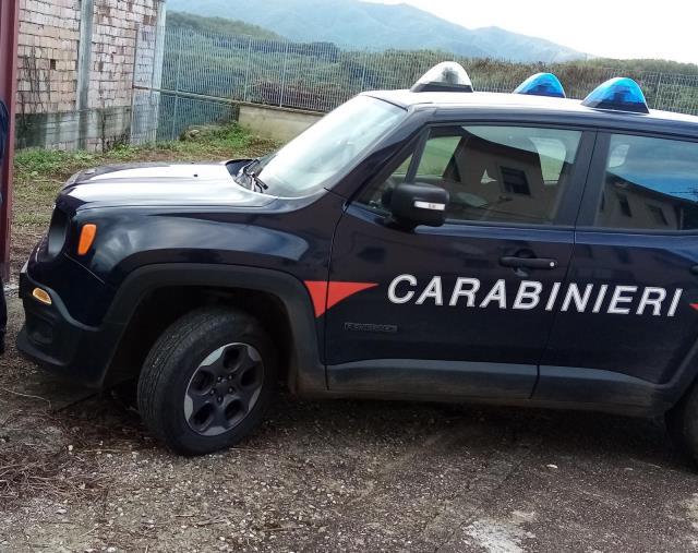 Controlli antibracconaggio nel Parco del Pollino. Detenevano armi, coltelli e una mannaia: due denunce