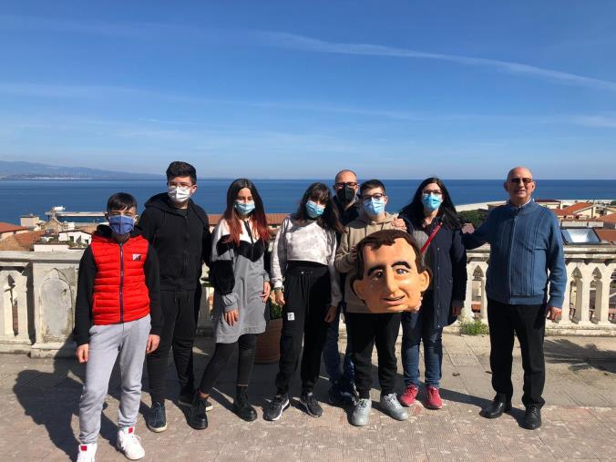 images Cinque studenti dell'Istituto Salesiano di Soverato vincitori al concorso nazionale di poster statistici