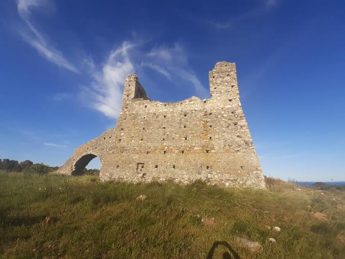 """images Torre Cavallara di Catanzaro. L'appello di Taverniti: """"Salviamola prima che diventi un anonimo rudere"""""""