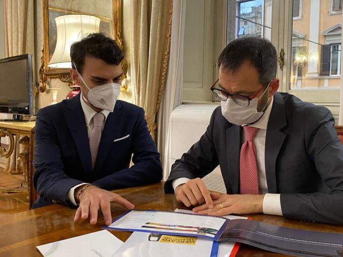 images La start up del catanzarese Giorgio Gigliotti conquista il Ministro Patuanelli: sarà affiancato da esperti per potenziare la piattaforma