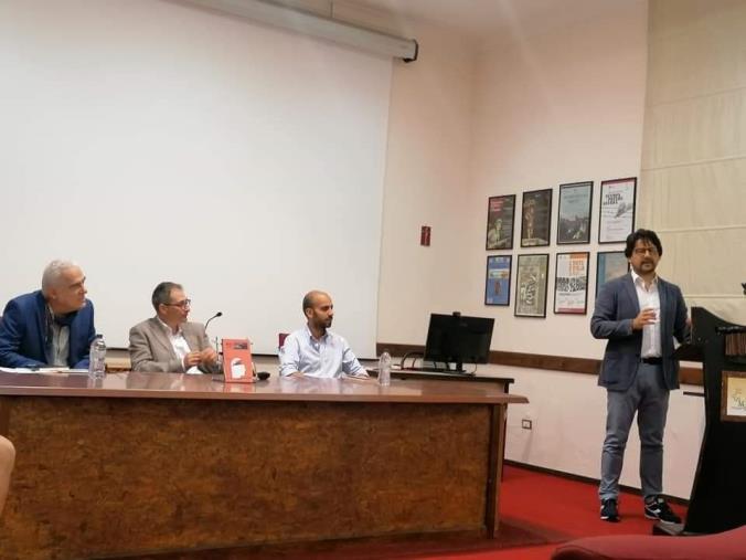 """images """"Libri & bollicine"""". Domenico Mauro conclude la rassegna al Musmi di Catanzaro, dal 26 luglio appuntamento a Soverato"""