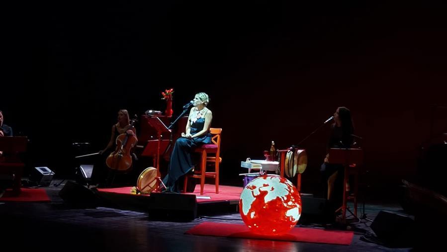"""images Catanzaro. Tosca al Politeama porta in tutto il mondo il pubblico del Festival d'Autunno con """"Morabeza estate"""""""