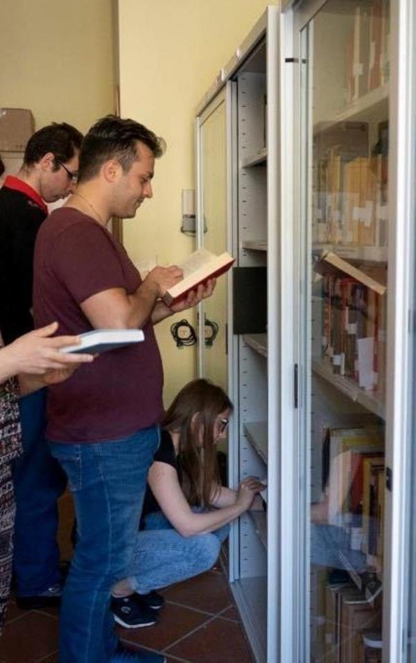 images Taverna. Il Ministero della Cultura ha assegnato alla biblioteca comunale un fondo per l'acquisto di libri nell'anno in corso
