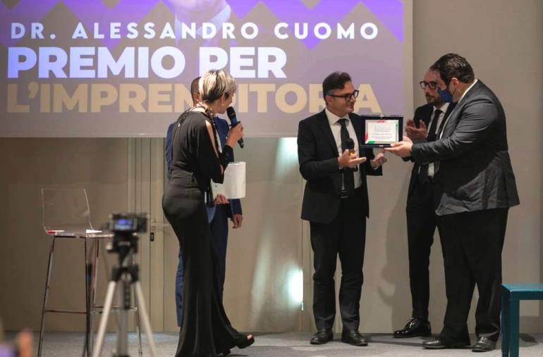 """images L'inventore e food project manager calabrese Alessandro Cuomo vince il """"Premio all'Imprenditoria"""" nazionale di Fenimprese"""