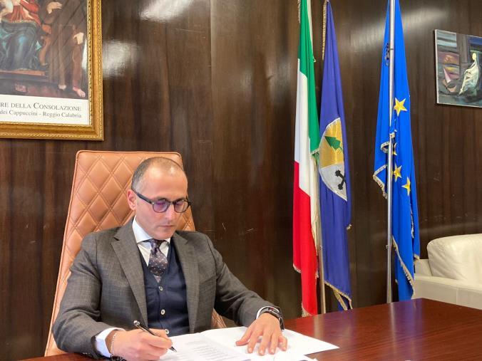 """images Poliambulatorio di Scalea. De Caprio: """"Caso attenzionato da oltre un mese. Ecco alcune ipotesi per superare gli ostacoli"""""""