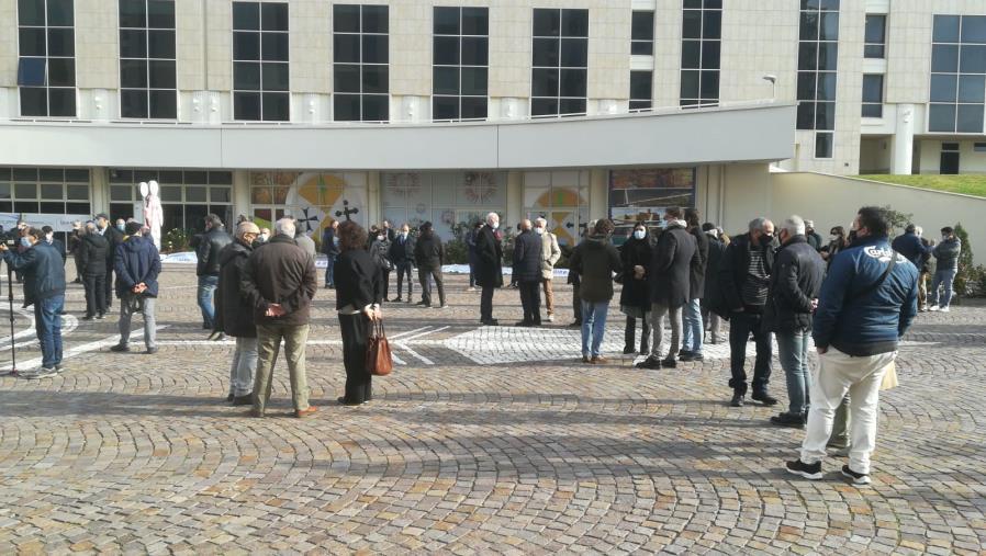 images Professionisti in sciopero alla Cittadella regionale contro la burocrazia