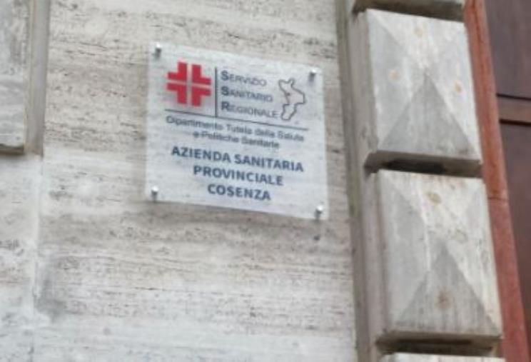 images Asp di Cosenza. Scattano le prime sospensioni nei confronti dei sanitari no vax