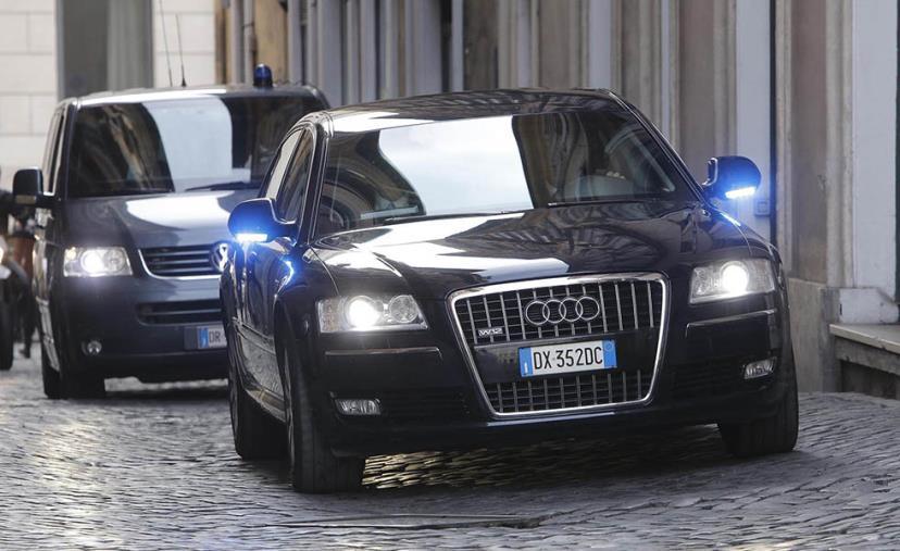 """images I Quartieri e le domande ad Abramo: """"Come sono utilizzate le auto blu di Comune e Provincia?"""""""