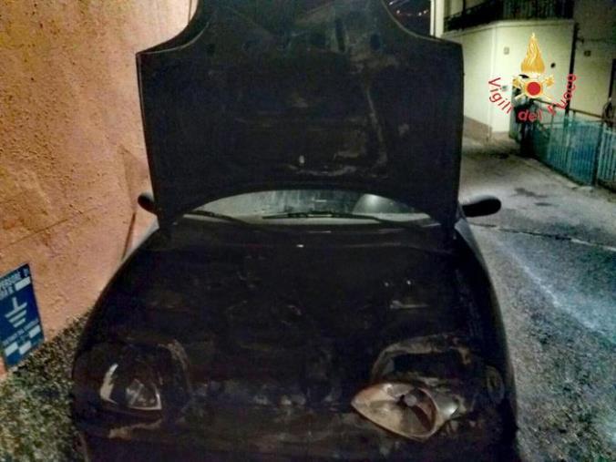 images Minacce e macchina bruciata all'ex assessore Mungo: iniziato il processo contro tre ambulanti di Catanzaro