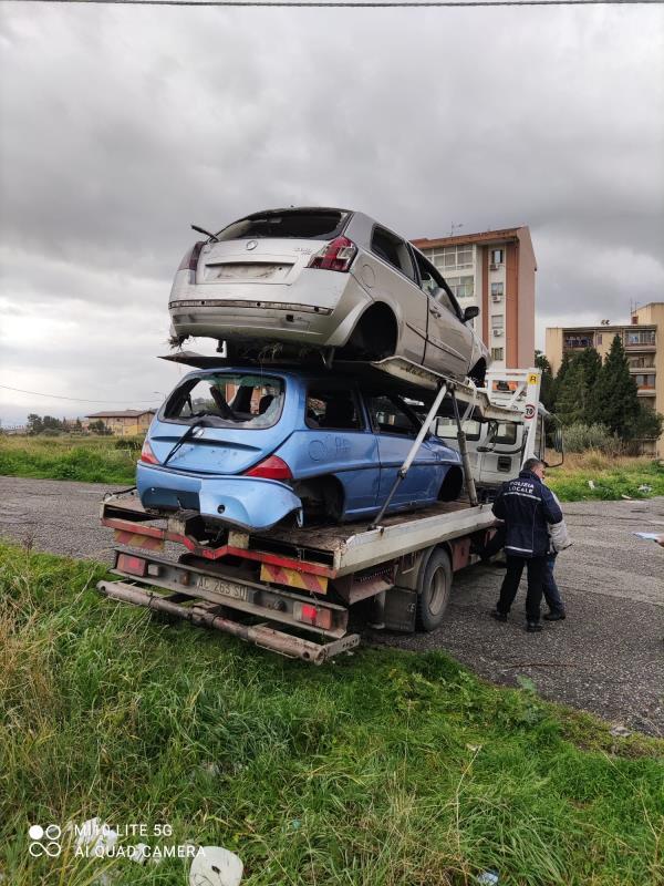 """images Catanzaro. Auto abbandonate in via Teano, Cavallaro: """"Sono state rimosse"""""""
