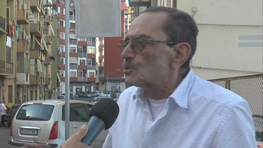 """images Bus a Catanzaro. Le proteste di alcuni cittadini di Stratò: """"O saltano le corse o passano in ritardo"""""""
