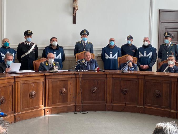 """images """"Basso profilo"""". 'Ndrangheta e colletti bianchi nella rete della Dda: 50 arresti. Gli indagati sono 82 (I NOMI)"""