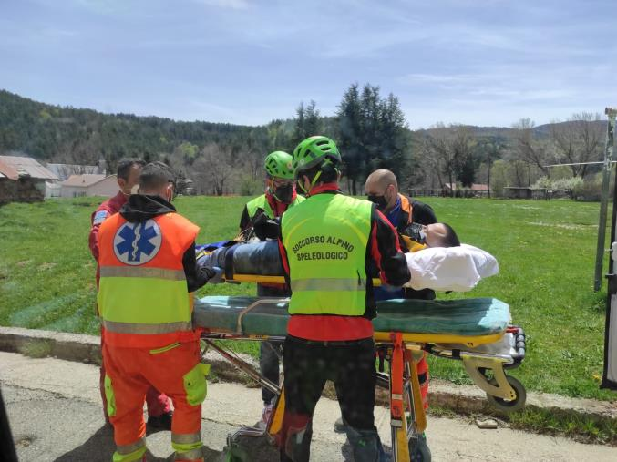 images Corigliano Calabro. Un uomo cade da cavallo e rimane ferito: portato in ospedale con l'elisoccorso