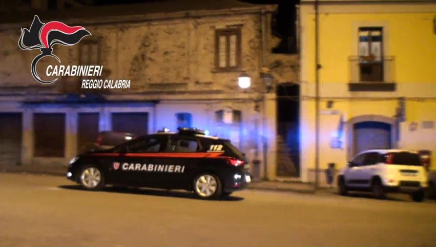 images Rosarno. Controlli dei carabinieri su due attività: multe da 10 mila euro