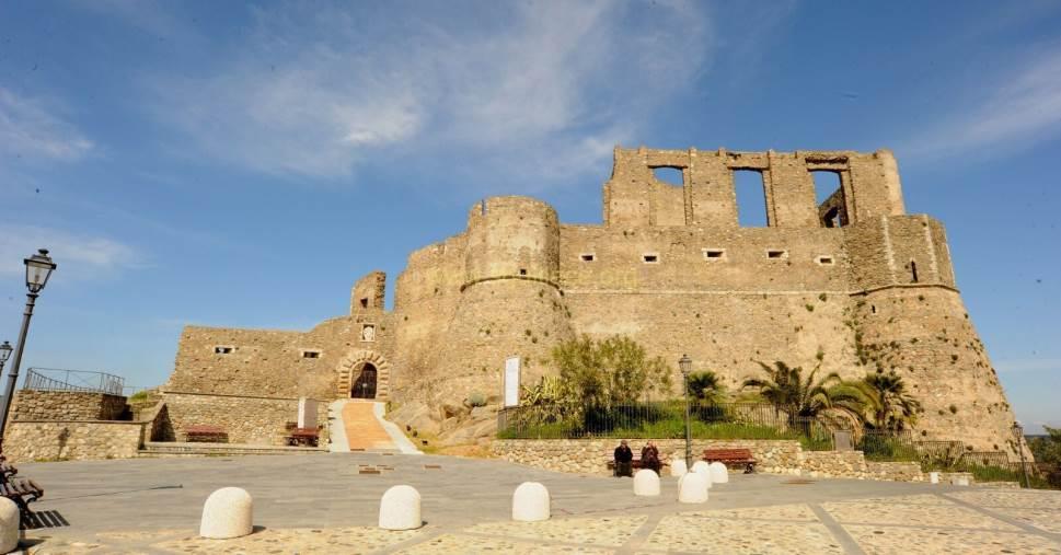 """images Squillace. Parte """"In-ruins 2021"""", il progetto per  valorizzare il patrimonio archeologico del Mediterraneo"""