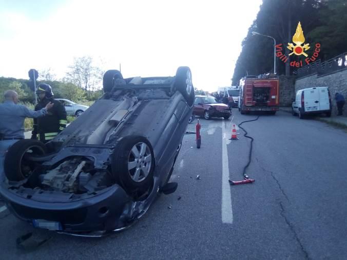 images Chiaravalle,  perde il controllo dell'auto