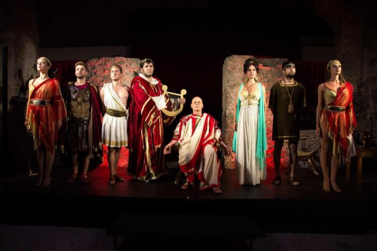 "images Domenica a Locri la commedia ""Nerone vs Petronio - La cena segreta del Satyricon"""