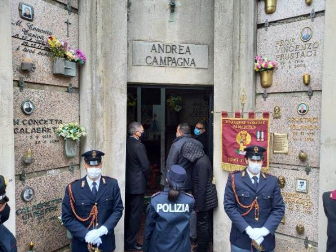 images Sant'Andrea Apostolo dello Jonio. L'omaggio della polizia all'agente Andrea Campagna  vittima del terrorismo