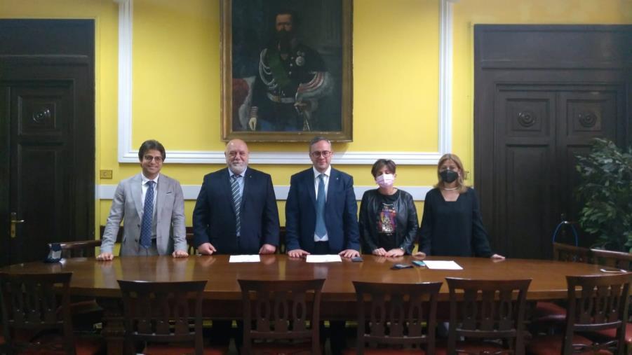images Alta formazione e specializzazione di diritto e del management sportivo: firmato accordo tra l'Ordine degli avvocati di Catanzaro e il Coni
