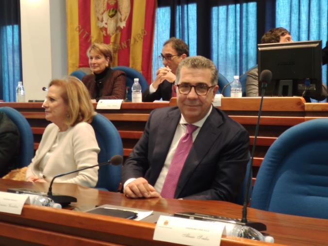 images Scricchiolii nella maggioranza: Forza Italia potrebbe forzare la mano con i suoi assessori