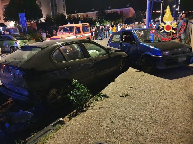Catanzaro. Incidente a via dei Conti Falluc: due feriti e strada chiusa al traffico
