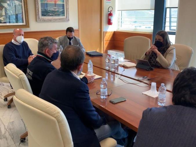 """images Vertice operativo sul porto di Gioia Tauro e Corap. Spirlì: """"Al lavoro per nuovi progetti"""""""