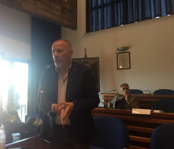 """images Costanzo: """"Il fondo anti-povertà annunciato dal sindaco è sparito?"""""""