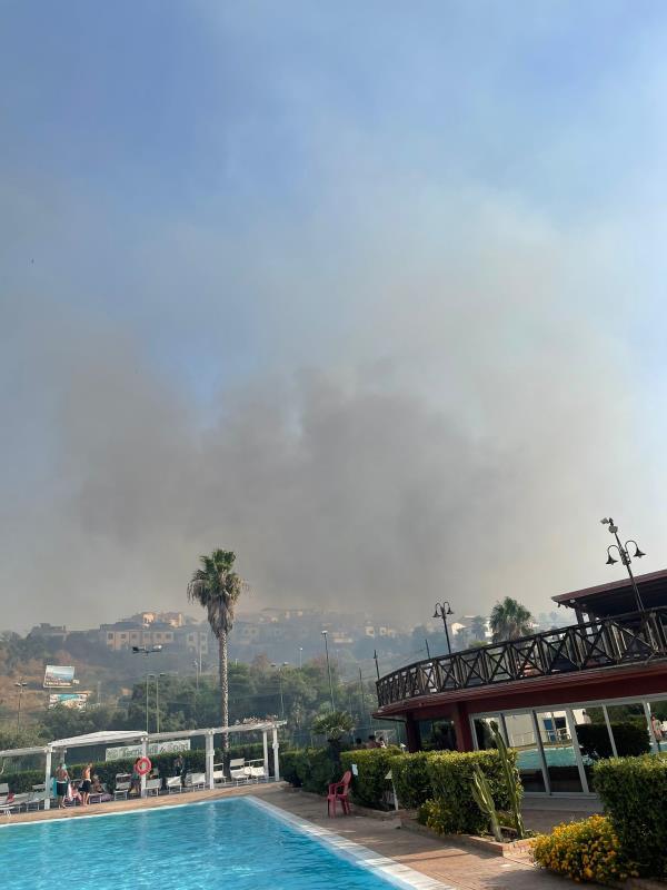 """images Crotone """"terra dei fuochi"""", due militanti della Lega Giovani Calabria: """"I colpevoli devono pagare"""""""