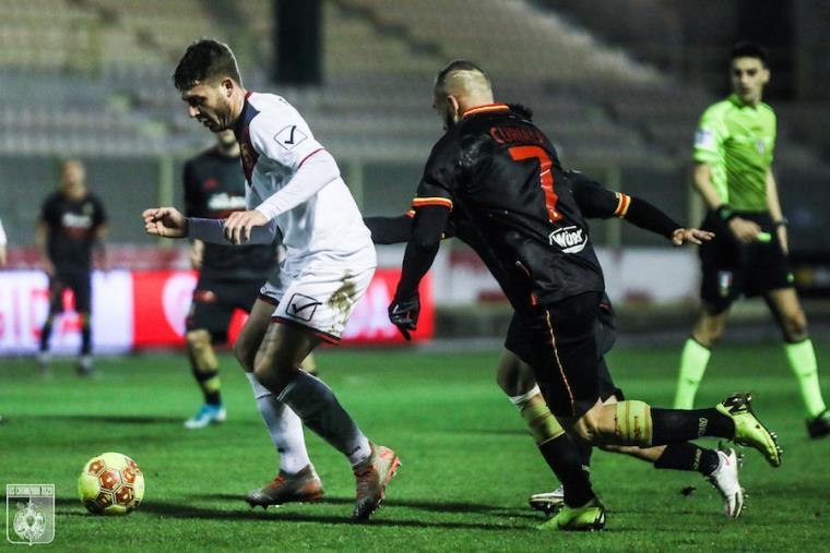Palermo e Catanzaro in campo alle 12.30: formazioni ufficiali